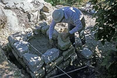 08 1986 : Construction de la fondation de la pile Sud du manège.