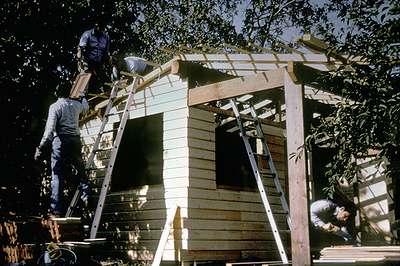 22 1991 : Construction de l'atelier-remise