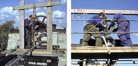 25 1992 : Montage de la barre de transmission horizontale munie de son manchon de couplages pièces mécaniques et mise en place des engrenages