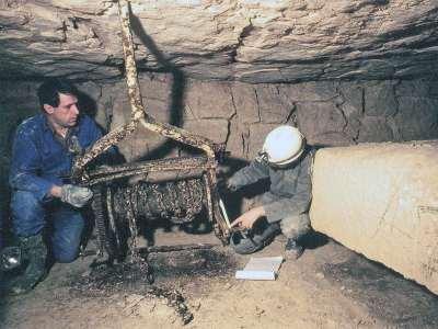 07 1993 Treuil à manivelle pour le déplacement des blocs en carrière.